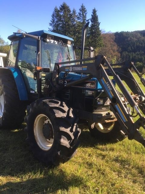 Tractor Ford 7740
